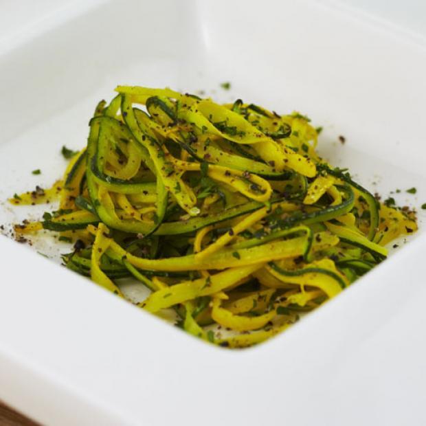 Recetas Para Cocinar Al Vapor | Hilos De Zucchini Al Vapor Receta Por Isabel Bolivar