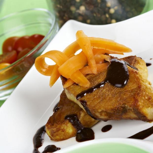 Lomo de cerdo con salsa de chocolate receta por sofia leiva for Platos fuertes franceses