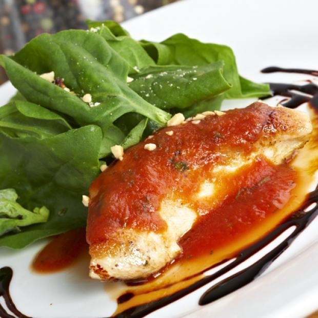 Pechuga de pollo con salsa napolitana receta por delfina toledo - Salsas para pechuga de pollo ...